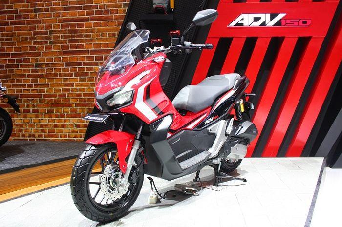 Skutik Honda ADV150 yang menggoda banyak bapak-bapak.