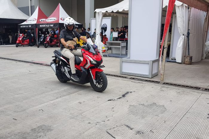 Test ride Honda ADV150