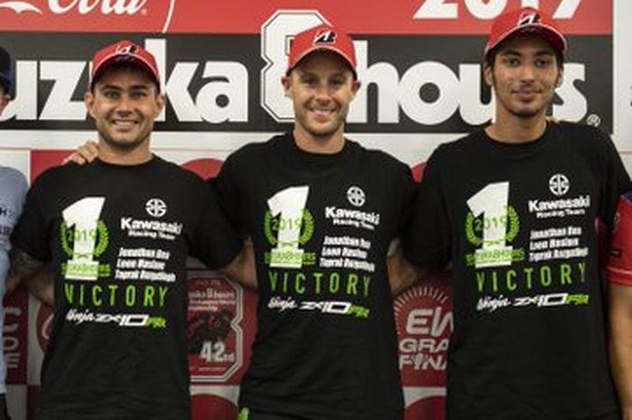 Turunkan pembalap terbaik di WSBK, Leon Haslam (kiri); Jonathan Rea (tengah) dan Toprak Ratzaglioglu (kanan)