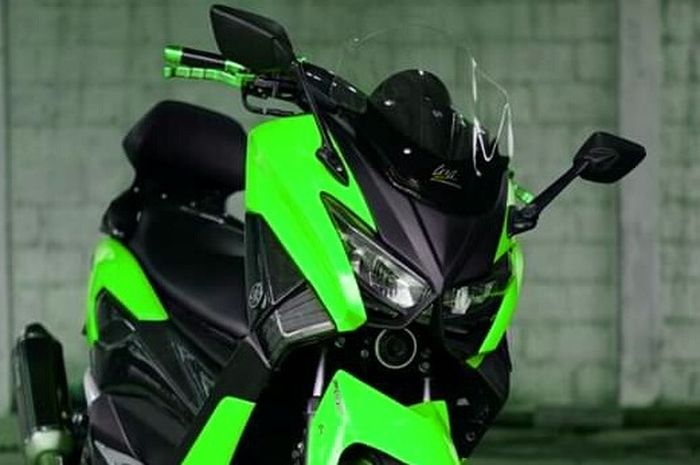 Lampu depan Yamaha NMAX redup setelah ganti body, solusinya cuma pakai obeng.
