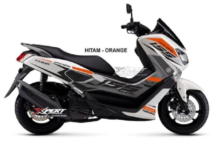 Yamaha NMAX tampil keren dengan sticker sesuai pilihan pemilik motor.