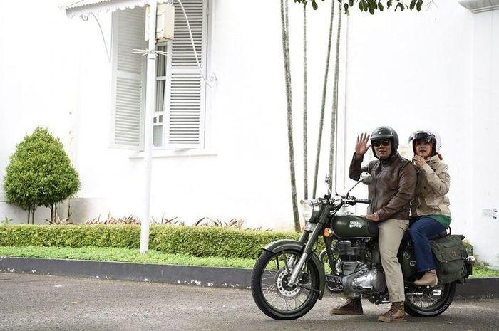 Gubernur Jawa Barat dengan Royal Enfield Classic 500