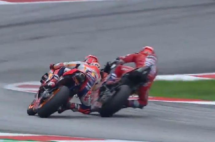 Manuver Andrea Dovizioso di tikungan terakhir MotoGP Austria membuat Marc Marquez hanya bisa finis ke-2.
