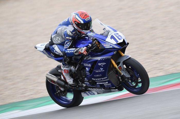 Jules Cluzel tampil di ajang balap motor dunia supersport 600 unik dengan pindah gigi pakai kaki kanan