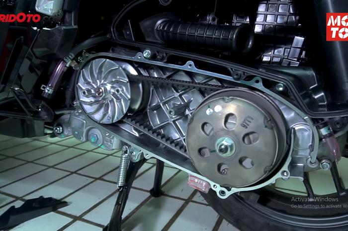 Video bedah mesin dan CVT Honda ADV150