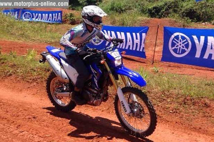 Motorplus-online saat menjajal Yamaha WR250R di Pondok Cabe