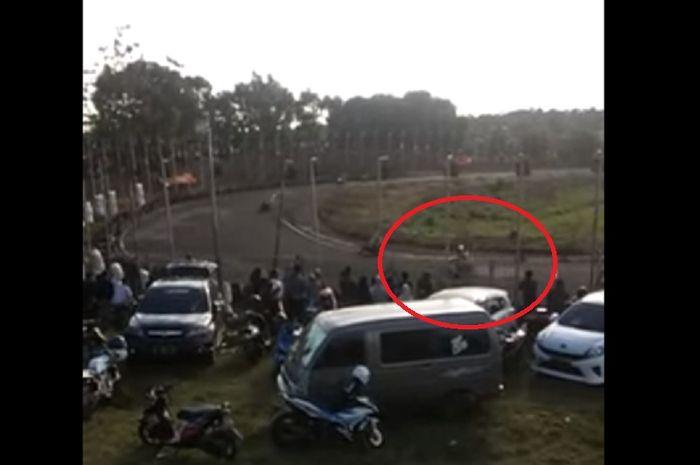 Detik-detik pembalap Dhandy Latif kecelakaan saat road race Sidrap (18/8/2019)