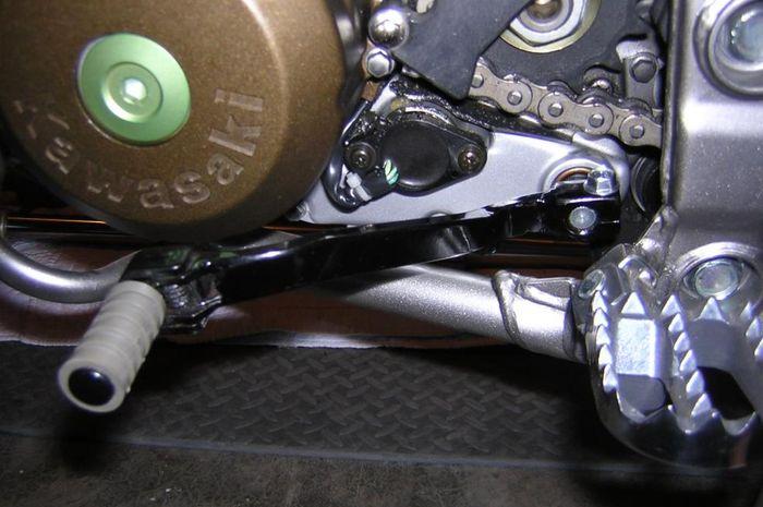 Shifter KLX 250 di KLX 150 biar ga gampang patah