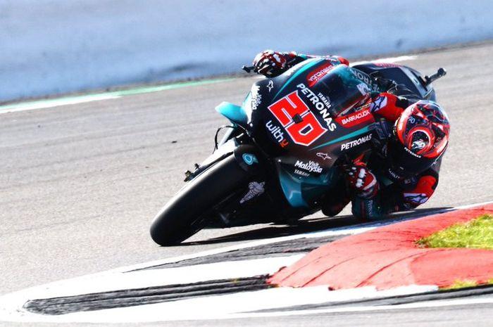 Nama Fabio Quartararo jadi yang tercepat dan enggak terkejar dalam sesi latihan resmi ketiga (FP3) MotoGP Valencia Spanyol (16/11/2019).