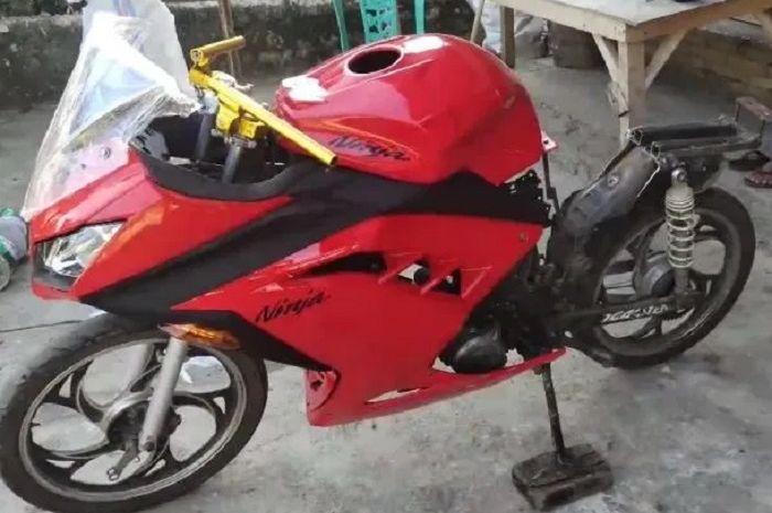 Modifikasi Honda Supra Fit jadi Kawasaki Ninja 250.