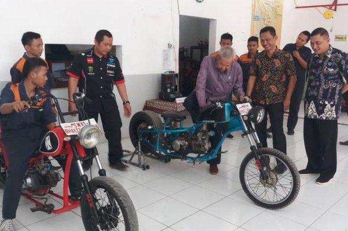 Siswa SMK Bhakti Praja (BP) Adiwerna, Kabupaten Tegal, Jawa Tengah, merakit motor kustom mirip Chopper 'Jokowi' hanya dengan modal Rp 6 juta.