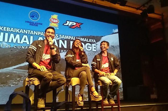 Tim Himalayan Ridge, Darius Sinathrya Donna Agnesia dan Wishnu Gareng