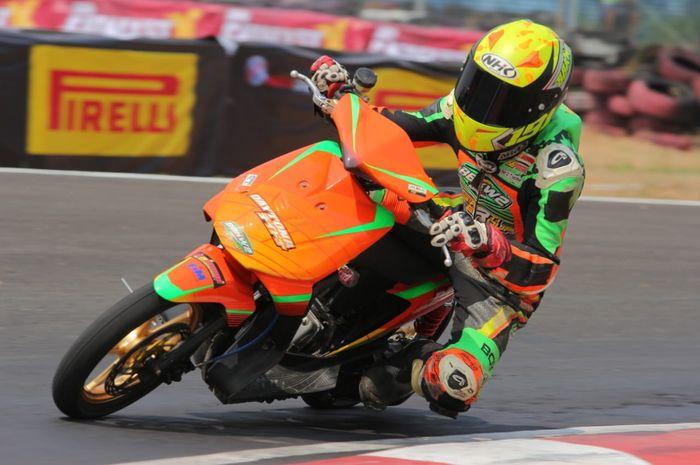 Honda BeAT balap milik tim Daytona BBKW Koizumi FIM Privateer WR berhasil mencetak waktu tercepat 59,8 detik di Sirkuit Sentul Karting, Bogor.
