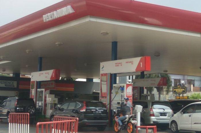 Selain Pertamina, SPBU Shell, TOTAL, VIVO, dan BP Castrol juga menjual bensin dengan harga yang bersaing dengan Pertamax Plus dengan oktan 95.