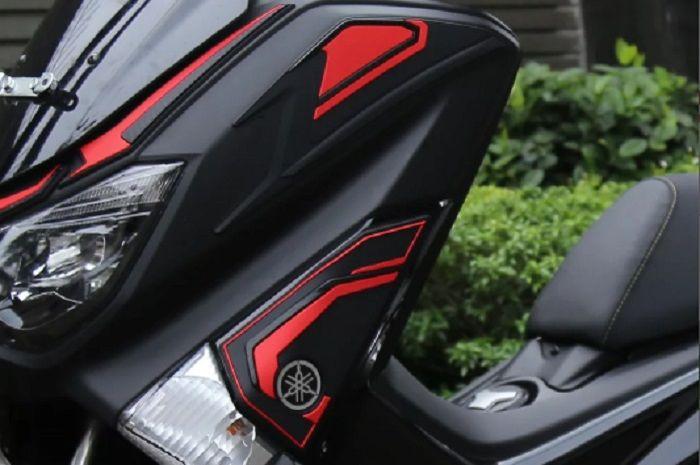Keren, Yamaha NMAX pasang upper front side cover kiri dan kanan.