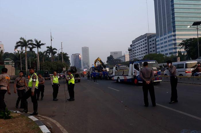 Pengamanan lalu lintas di sekitar gedung DPR