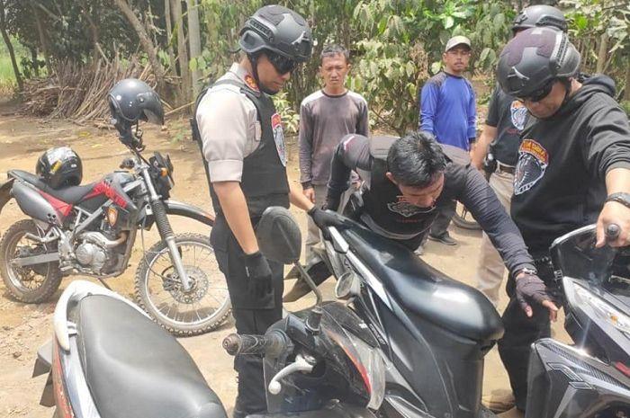 Gambar ilustrasi motor bodong. Banyak Banget Kendaraan Bodong Disita Saat Operasi Patuh Jaya di Tangsel, Ada Motor Sampai Mobil Mewah!