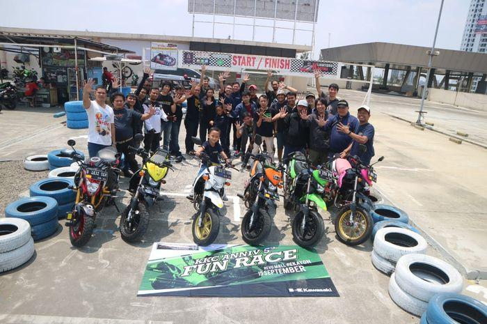 Kawasaki KSR Community (KKC) Jabodetabek, ulang tahun bikin balap senang-senang di atas mall