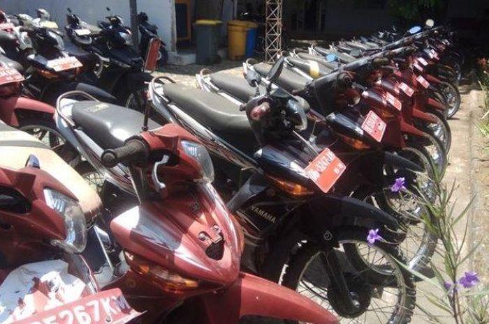 Pemerintah Kotamobagu melelang 14 motor dinas mulai dari Rp 2 jutaan