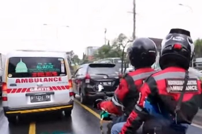 Indonesian Escorting Ambulance (IEA).