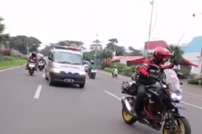 Indonesia Escorting Ambulance (IEA).