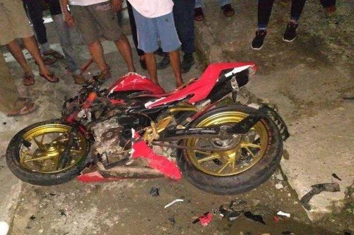 Kondisi motor Honda CBR 150R yang mengalami kecelakaan di Palopo, Sulawesi Selatan