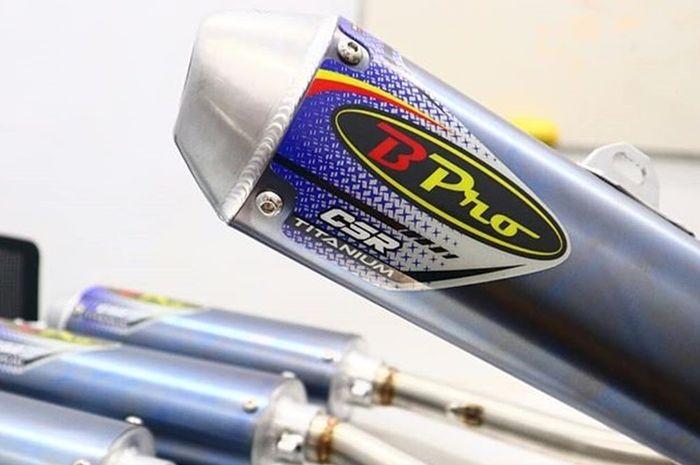 Knalpot B-Pro Racing dengan material titanium