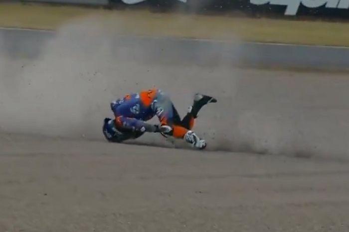 Miguel Oliveira tersungkur di FP2 MotoGP Jepang 2019.