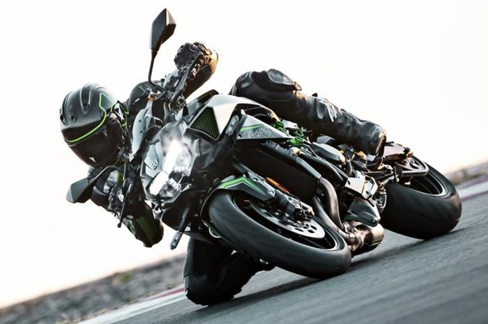 Kawasaki Z H2 punya mesin supercharger