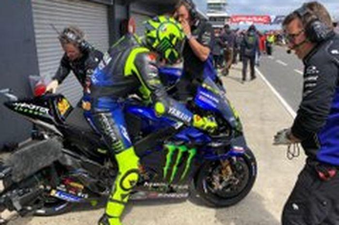 Valentino Rossi bikin kejutan di MotoGP Australia 2019 pimpin balapan selama 3 lap bertepatan dengan 400 kali start MotoGP sejak 1996
