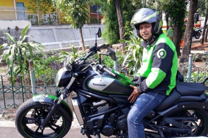 Driver ojek online dulu pakai Yamaha NMAX, kini pakai moge Kawasaki Vulcan S