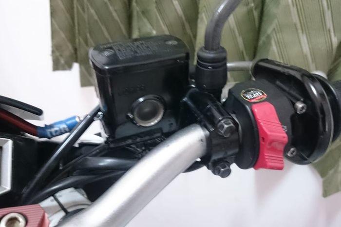 Master Rem Yamah MT-25 dan starter elektrik Yamaha Xabre terpasang sempurna di V-ixion, ini kelebihannya