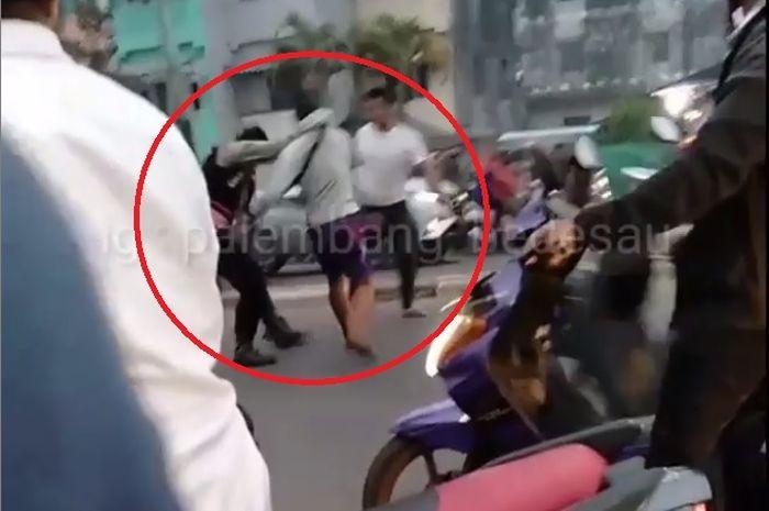 Seorang polisi adu jotos dengan dua anggota TNI di Palembang
