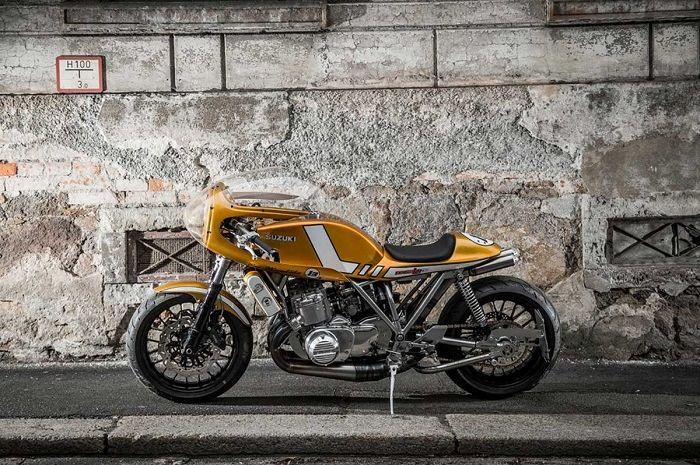Kesan motor klasik Suzuki GT750 berubah menjadi motor balap.