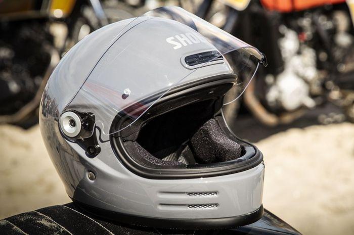 Shoei Glamster helm full face modern bergaya lawas