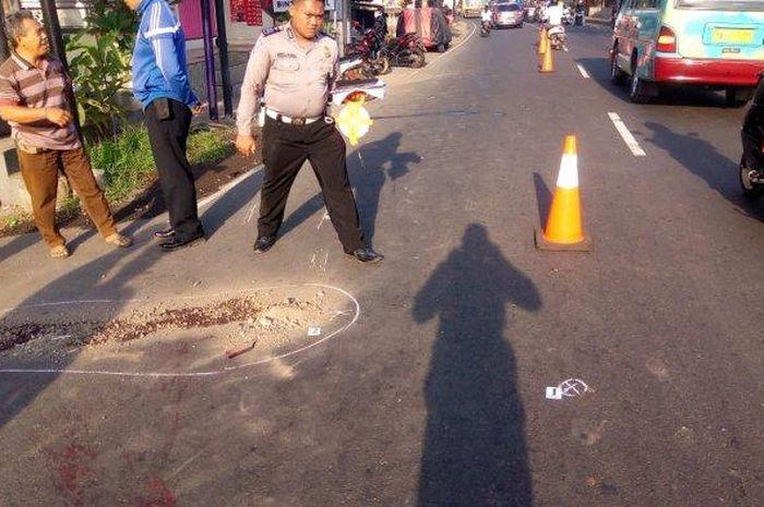 Kecelakaan maut adu banteng antara dua pemotor kembali terjadi di Jalan Raya Sampalan, Dawan, Klungkung, Selasa (19/11/2019).