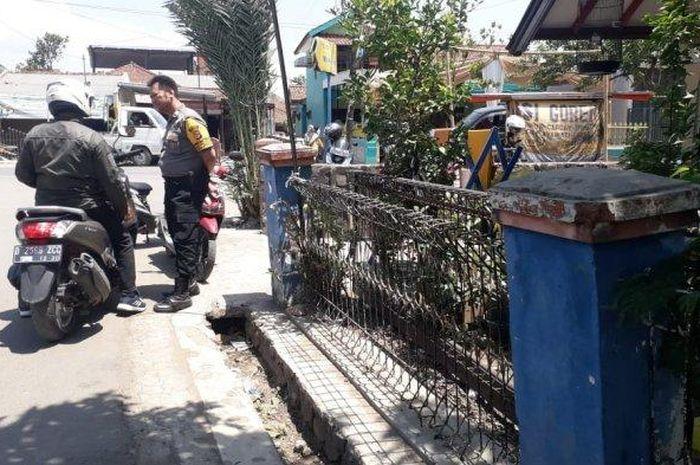 Setelah teror lempar sperma di Tasikmalaya, kini teror pamer alat vital terjadi di Baleendah, Kabupaten Bandung, Selasa (19/11/2019) subuh.