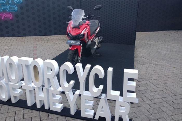 Honda ADV150 menjadi pemenang dalam kategori motor skutik 150 cc  terbaik plus menyabet gelar Motorcycle Of The Year versi GridOto Award 2019.