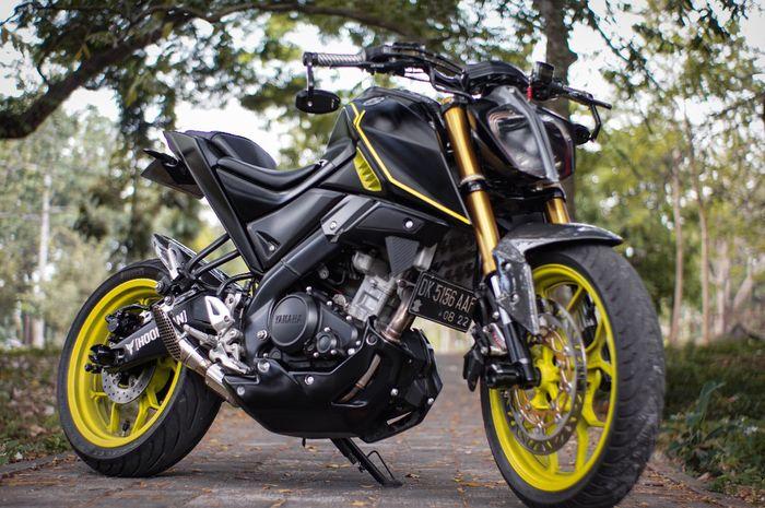Yamaha Xabre bermuka KTM Duke 390