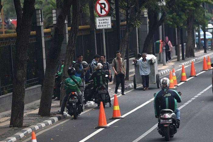 Ilustrasi, Saat PSBB Transisi di Jakarta pengguna sepeda naik 1000%, Jalur sepeda di Jalan Jendral Sudirman-Thamrin diperlebar 2 meter