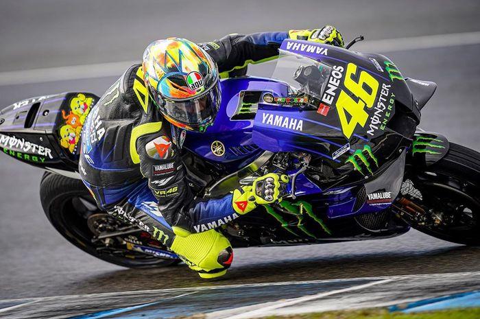 Valentino Rossi pede menghadapi MotoGP 2020 setelah kerja sama dengan Crew Chief baru, David Munoz, lancar. Tinggal Valentino Rossi blakblakan soal top speed M1 2020 masih kalah dari rival.