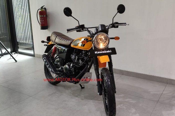 Kawasaki W175TR terbaru bergaya scrambler.