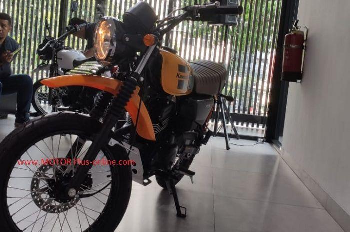 PT Kawasaki Motor Indonesia resmi mengeluarkan Kawasaki W175TR di Kawasaki Head Office.