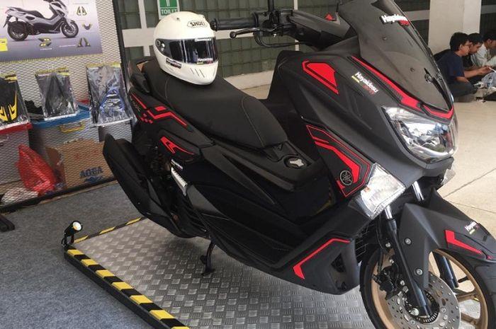 Yamaha NMAX makin ganteng pakai pakai body protector keluaran Hayaidesu.