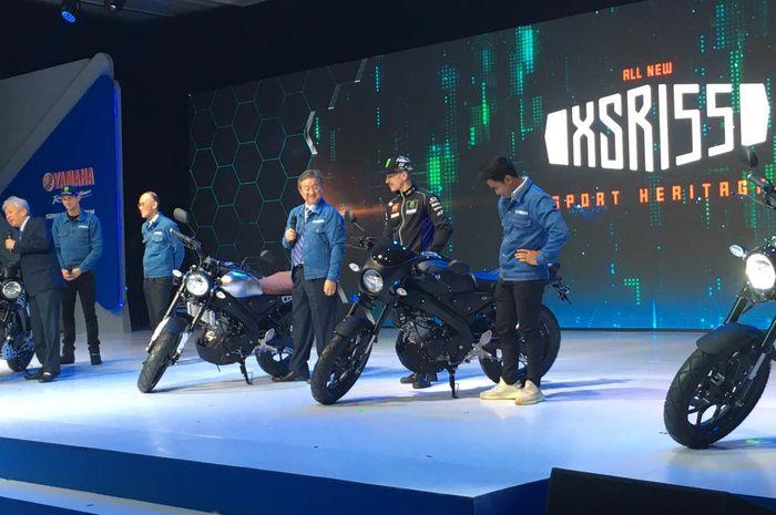 Ilustrasi Yamaha Luncurkan XSR155 bersama Minoru Morimotor (Presdir PT YIMM) ditemani Maverick VInales (Monster Energy Yamaha MotoGP) dan Galang Hendra Pratama.