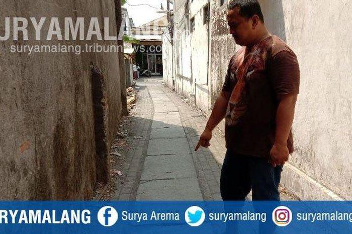 Pria bernama Muhammad Fathoni kehilangan motor Yamaha NMAX saat diparkir di depan rumahnya