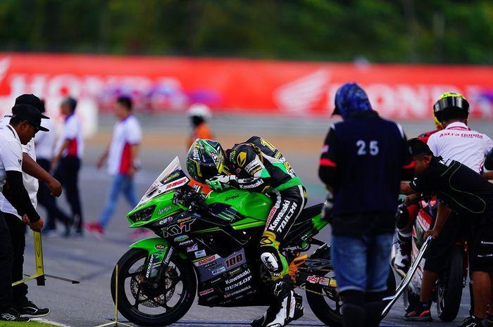 AM Fadly, pembalap dari tim Manual Tech KYT Kawasaki
