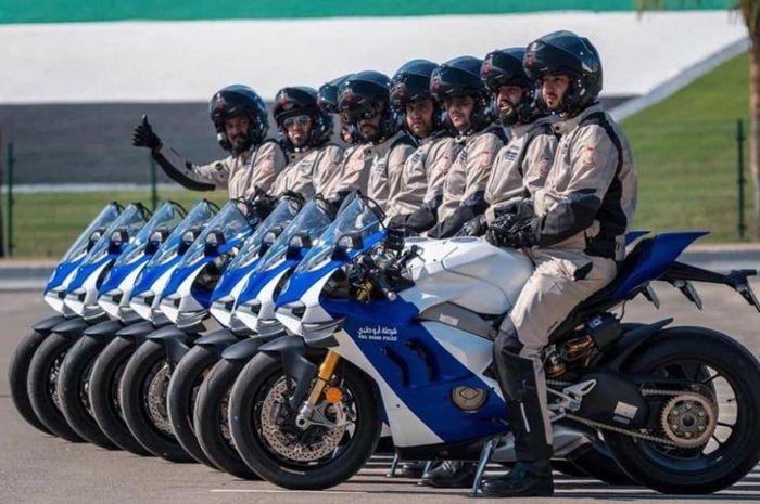 Kesatuan Polis Abu Dhabi memakai 8 Ducati Panigale V4R sebagai motor kepolisiannya
