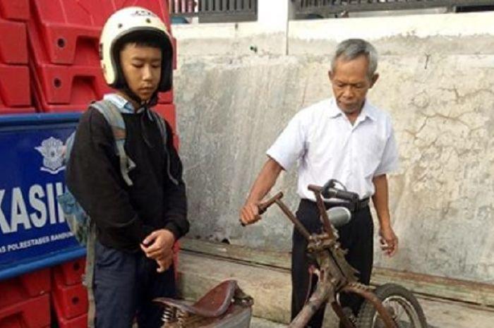 Pelajar terjaring razia di Bandung karena motor modifikasinya terlalu ekstrim.
