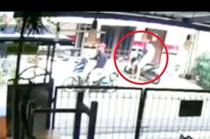 Pencurian motor Honda BeAT di daerah Jakarta Timur, Rabu (11/12/2019) lalu.